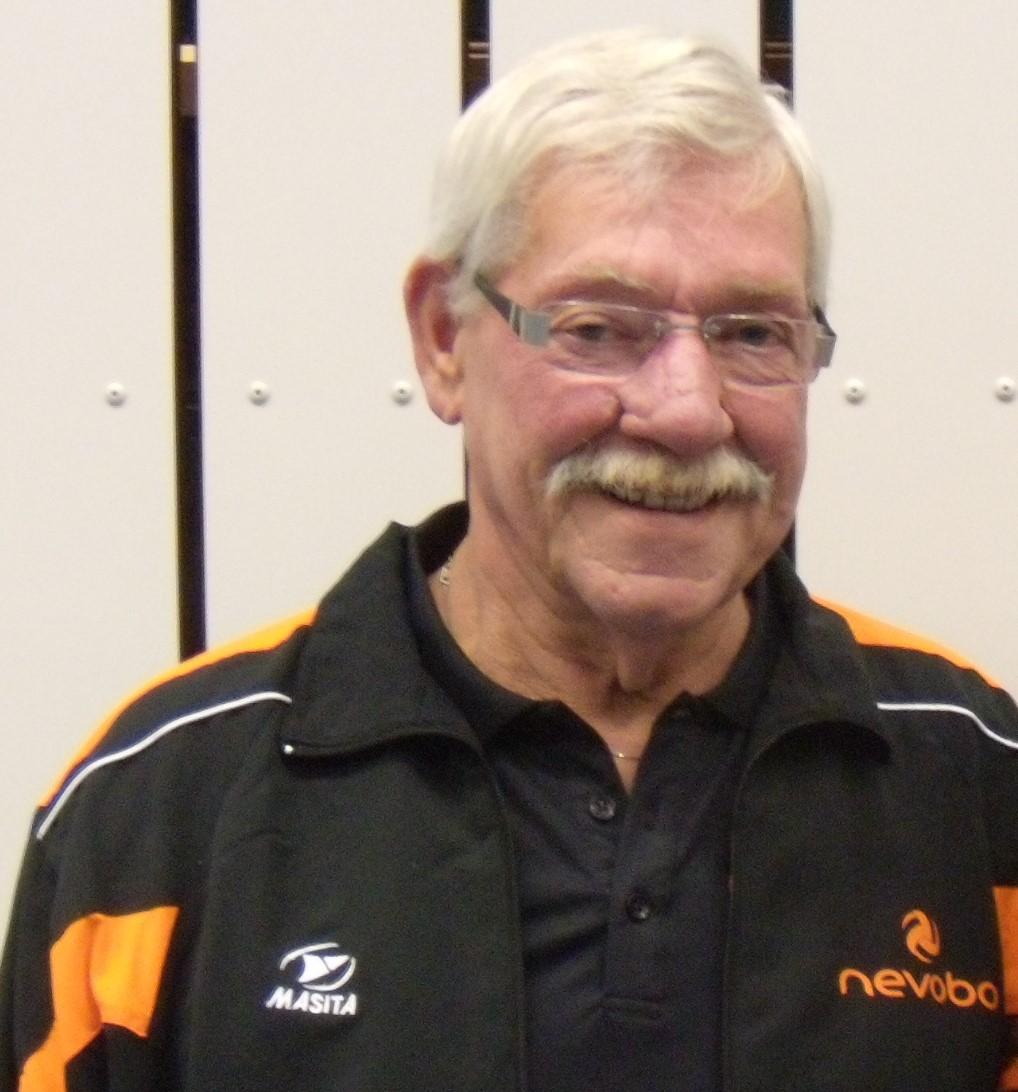 In memoriam Gerard van den Hoogenhoff | Vizier op volleybal